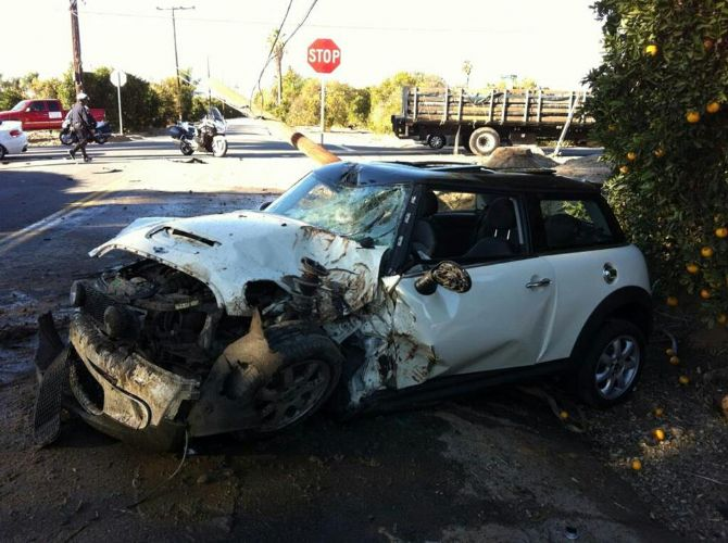 Glad To See The Mini Took Crash Fairly Well Notice Utility Pole It Out S Quite An Impressive Wreck Check These Pics